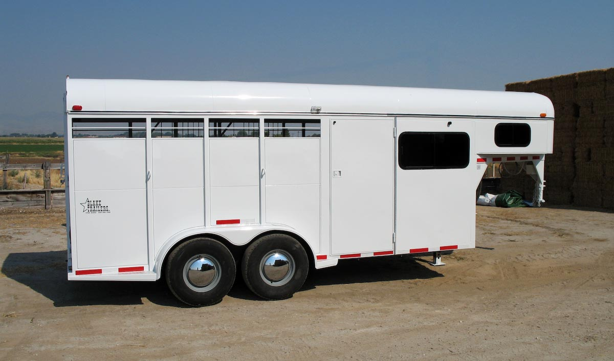 TRAILER ALBUM/01 - Horse Trailers/02 - Gooseneck Diagonal-Haul/02 - 3 Horse/2006 open side repair/1200x900/2.jpg